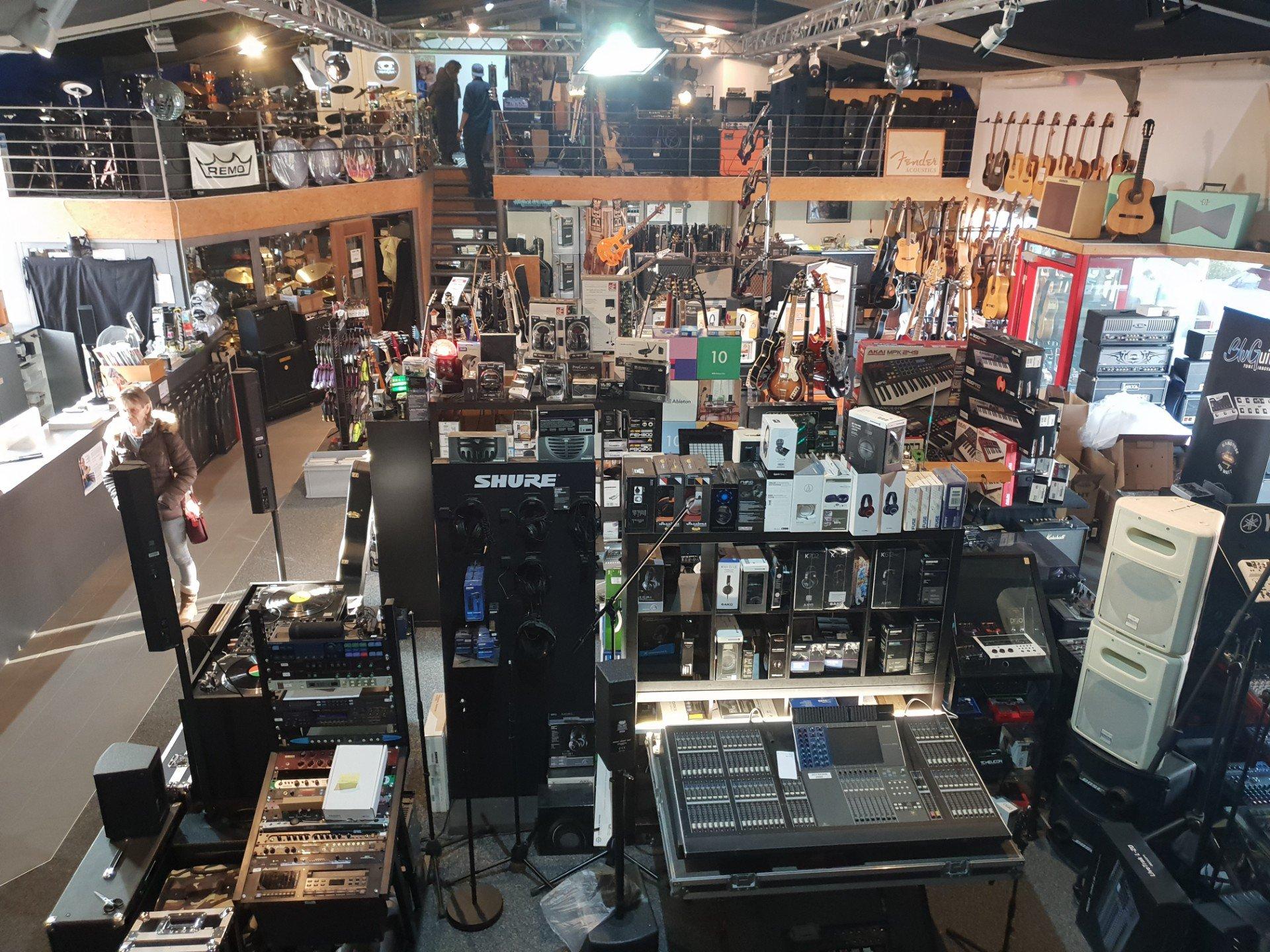 Jaccoud Music - intérieur du magasin